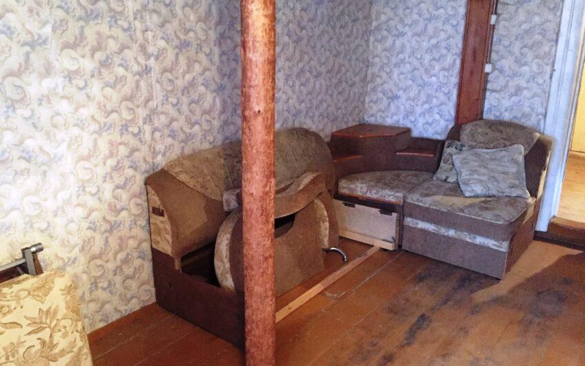 Часть жилого дома с сараем, 14 соток.