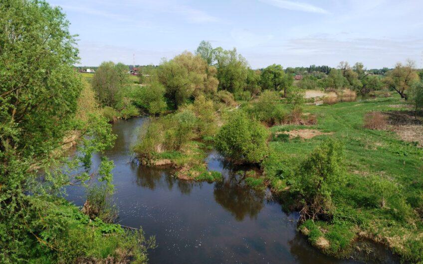 Купить участок с газом по границе на берегу реки Протва в Можайском районе.