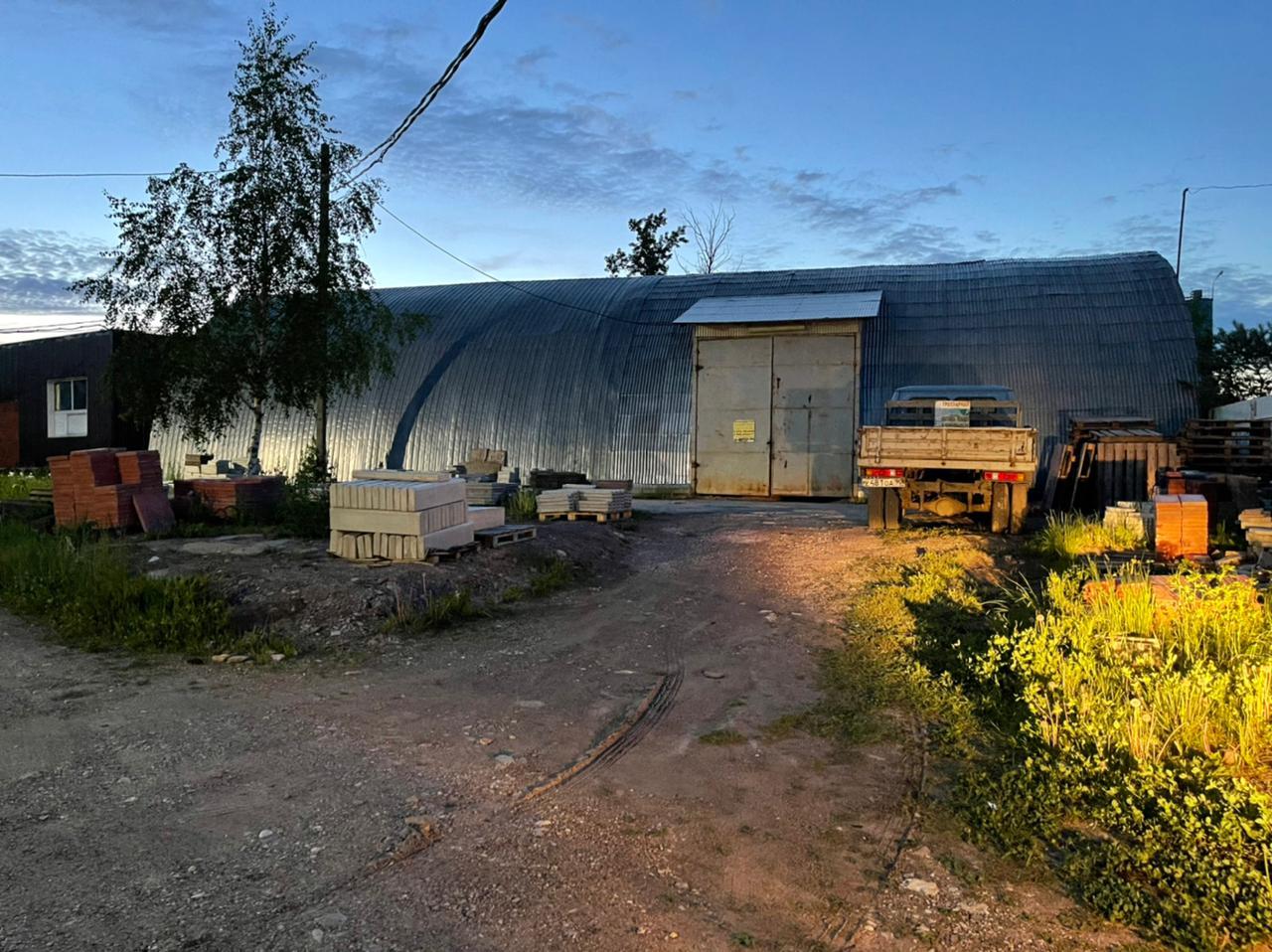 Ангар, железный, 350 кв.м для цеха, склада, производства.
